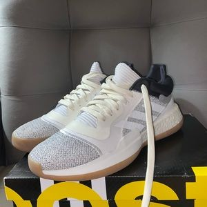 Men's Adidas Marquee Boost Low Size 9